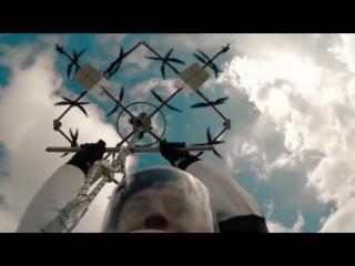 Первый в истории прыжок с дрона на парашюте