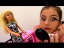 УРОКИ МАКИЯЖА: ЛучшаяподружкаВика учит Барби краситься! Видео для девочек. Игры Барби
