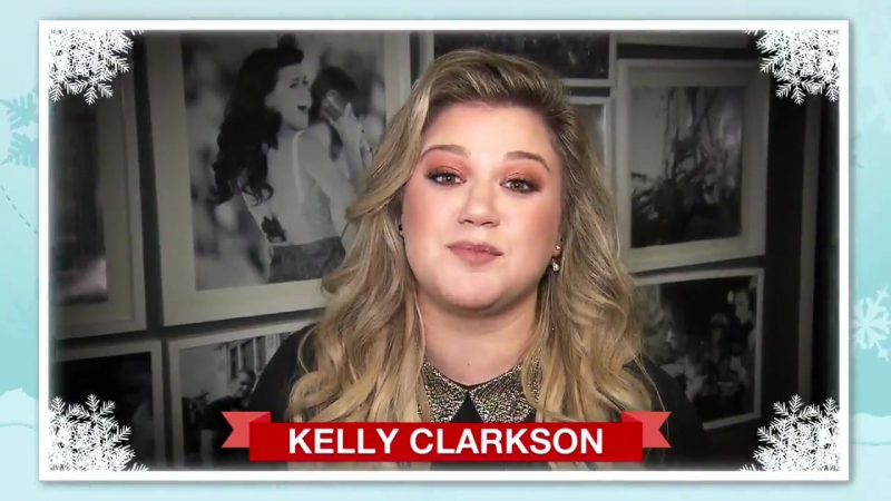Kelly Clarkson wishes she could see Santa!