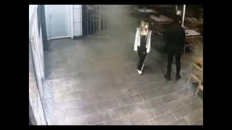 Sokak Kavgaları - Sevgilisine Laf Atanları Döven Genç - Maçta Dövüşcüleri Döven Hakem