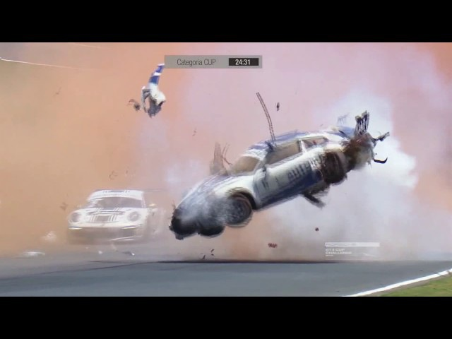 Реально жесткая авария на гонках.
