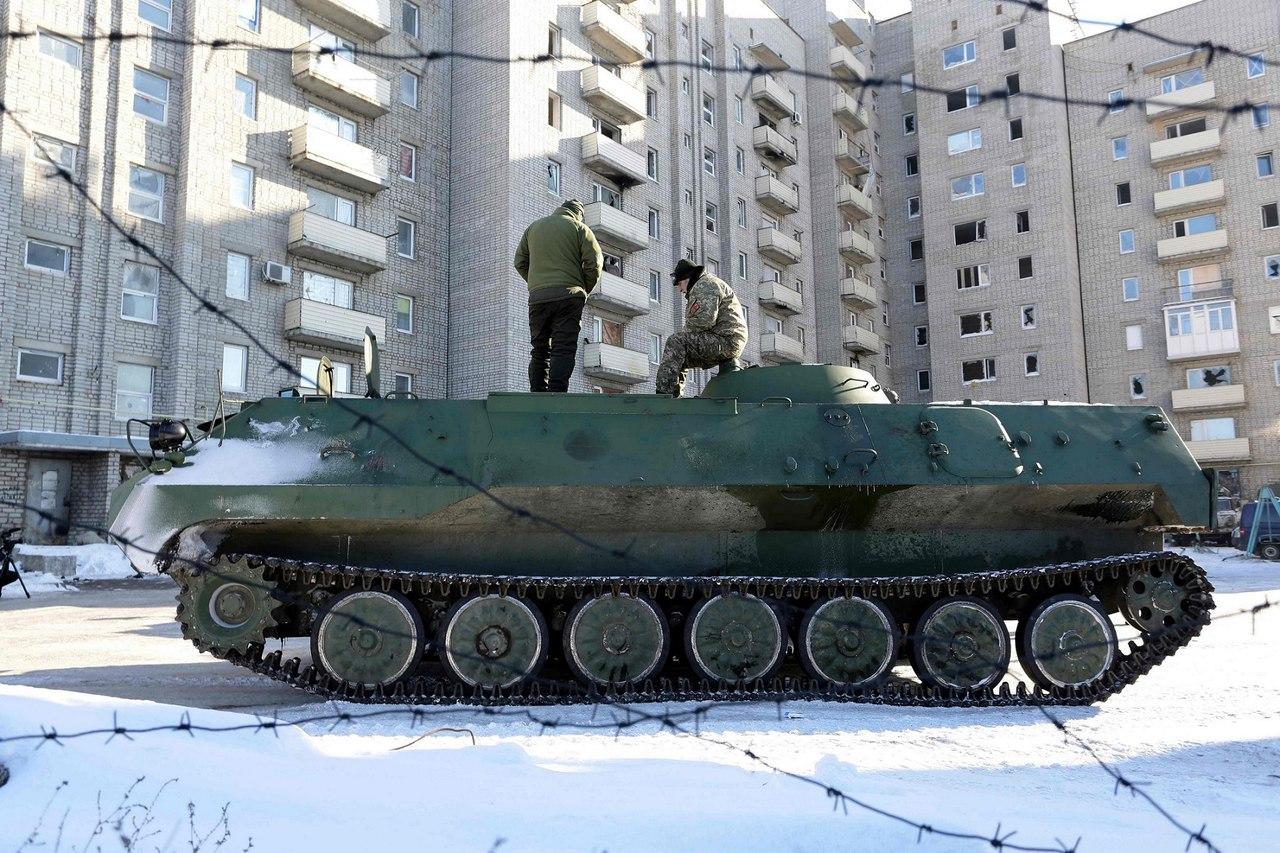 Уничтожение машины старшего офицера батареи КСАУО 1В13 ВСУ в районе Авдеевки