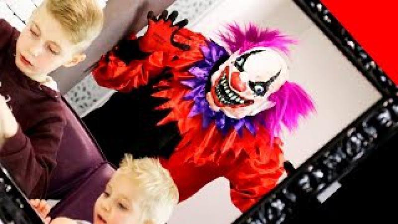 СТРАШНЫЙ КЛОУН ЖИВЕТ В НАШЕМ ХОЛОДИЛЬНИКЕ Scary Killer Clown