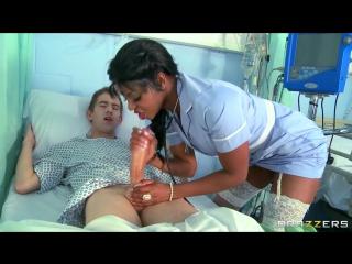 ЛЕЧИТ ОТ ПЕРЕЛОМА ЧЛЕНА Jasmine Webb - naughty nurse!.720 медсестра давалка, большой член, eboni, трах в больнице на койке меди