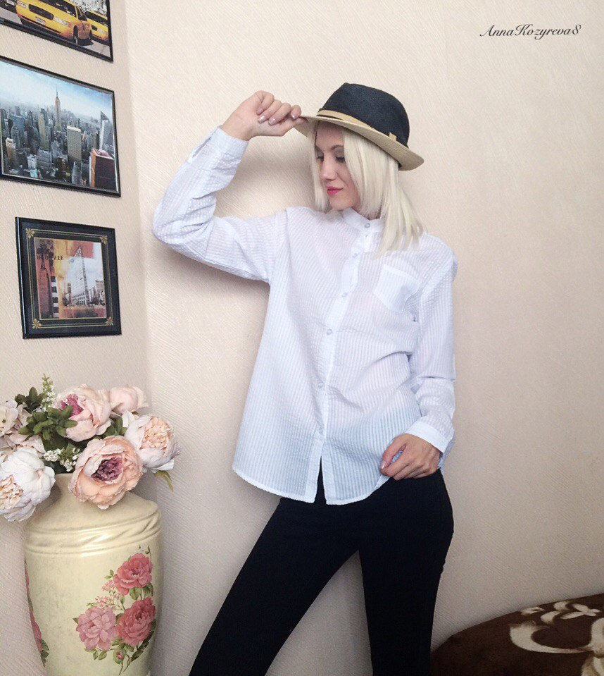 Белая блузка из магазина brave chungs store