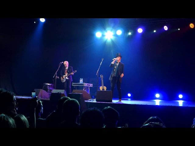 Suzanne Vega - Tom's Diner (live moscow 2013)