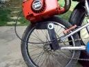 Это мега велосипед с движком от пилы!