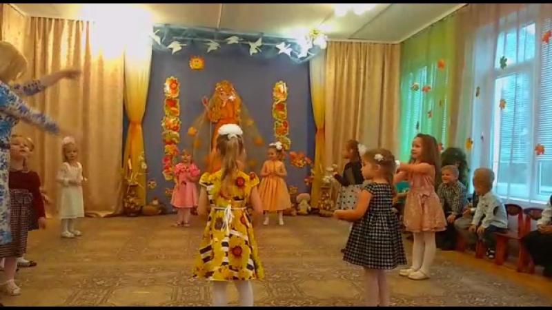 Праздник осени на образовательной площадке Д6 ГБОУ Школа №2065: песни и танцы, театрализованные представления и веселые хороводы