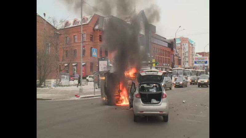 Опрокинувшийся в центре архангельска инкассаторский автомобиль был набит деньгами