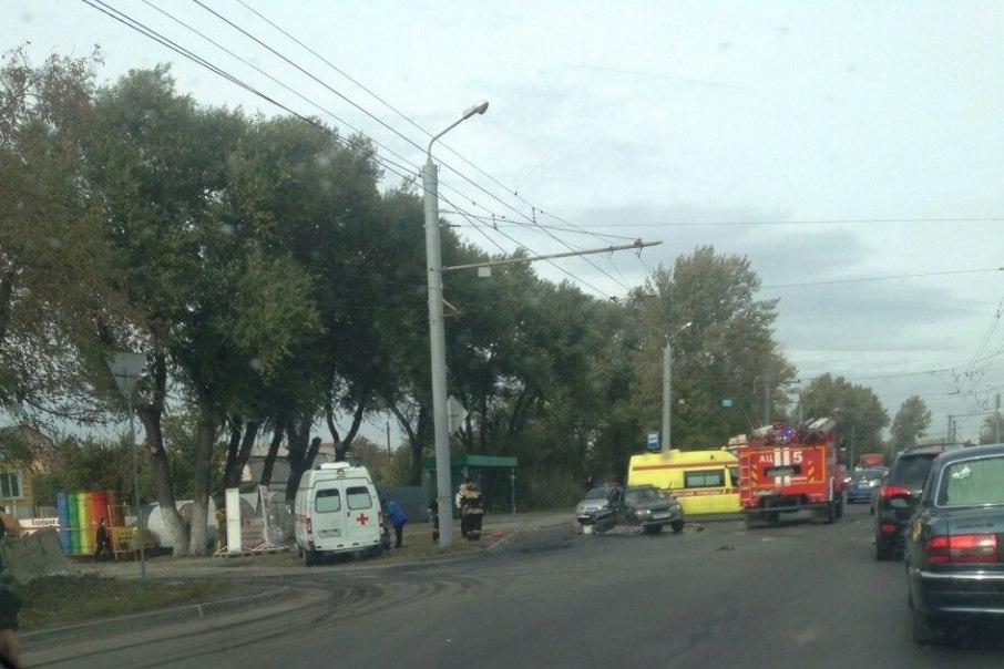 ВЧелябинской области иностранная машина смяла ВАЗ. Погибла женщина