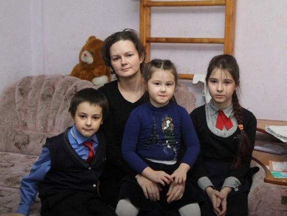 Иркутянку с тремя детьми выселяют из квартиры из-за долга по ипотеке