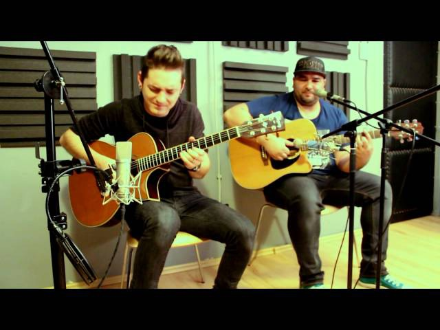 Marius Pop and Sergiu Ferat - Locked Out Of Heaven ( acoustic cover)