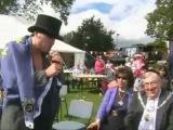 British Wrestler Richard Parliament tries to recruit the Mayor of Barnet