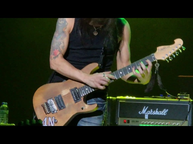 Nuno Bettencourt - Flight Of The Wounded Bumblebee - Extreme Medley - GENERATION AXE Tokyo 170407