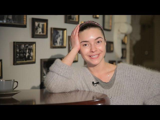 Вера Панфилова. Взрослая дочь молодого человека.