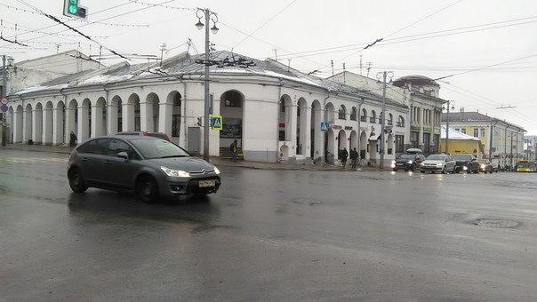 Центр города с утра не очень-то приветливый