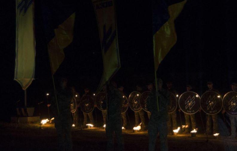 Бойцы карательного батальона «Азов» провели «перекличку мертвых» и заявили : Нам стыдно, что мы до
