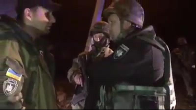 Відео стрільби на блокпосту ментами по нардепу Володимир Парасюк та помічникам.