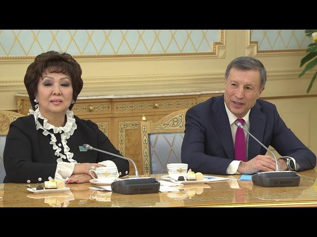 Подарок для Назарбаева. Певица Мария Галицкая исполнила в Акорде песню Ты у меня одна
