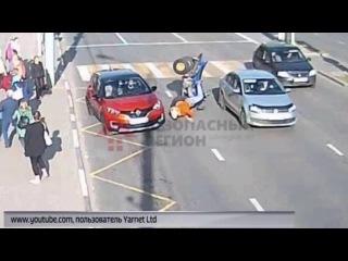 На улице Свободы квадроцикл не поделил дорогу с «Рено»: все живы-здоровы