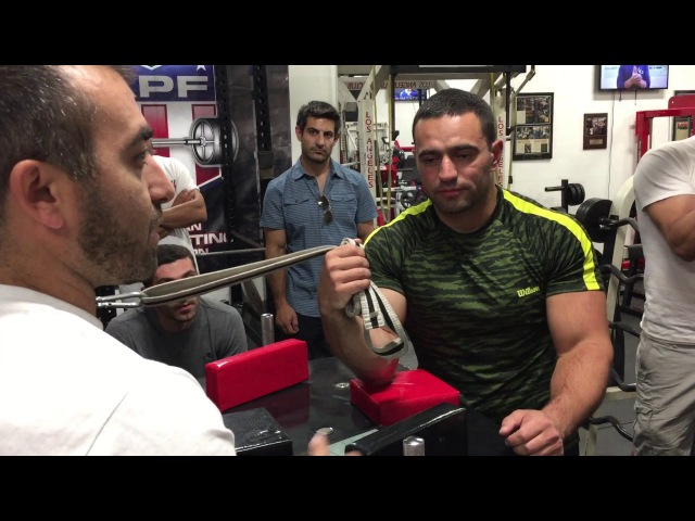 Rustam Babaiev and Vazgen Soghoyan Armwrestling Training- Wrist attack workout