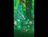 EXOs chant for KOKOBOPs dance break: EXO-L!! EXO-L!!