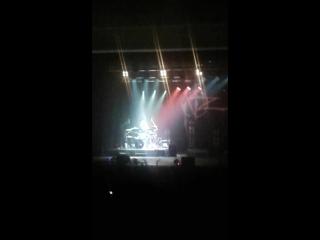Соло музыканта-барабанщика Олега Ховрина на концерте Наргиз
