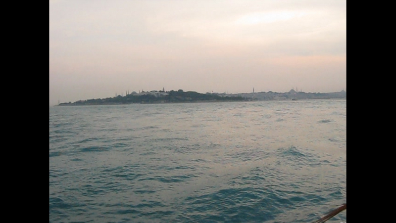 Вид на Дворец Топкапы с Босфора