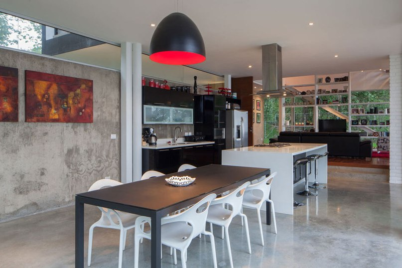 Contemporary House in El Salvador Sets the Bar High