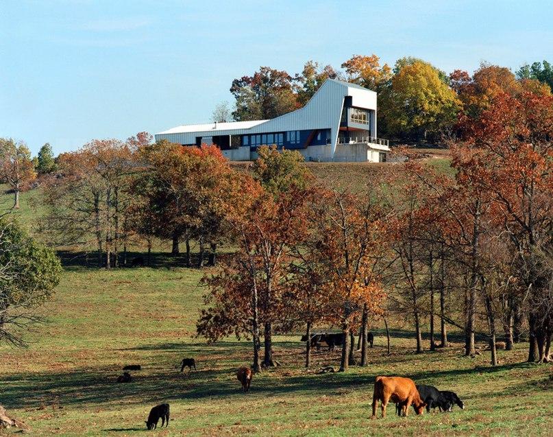 Американская студияDemx Architecture разработала проект жилого дома в Озарке,особом культурно-историческом регионе и рекреационно-туристической области штата Арканзас.