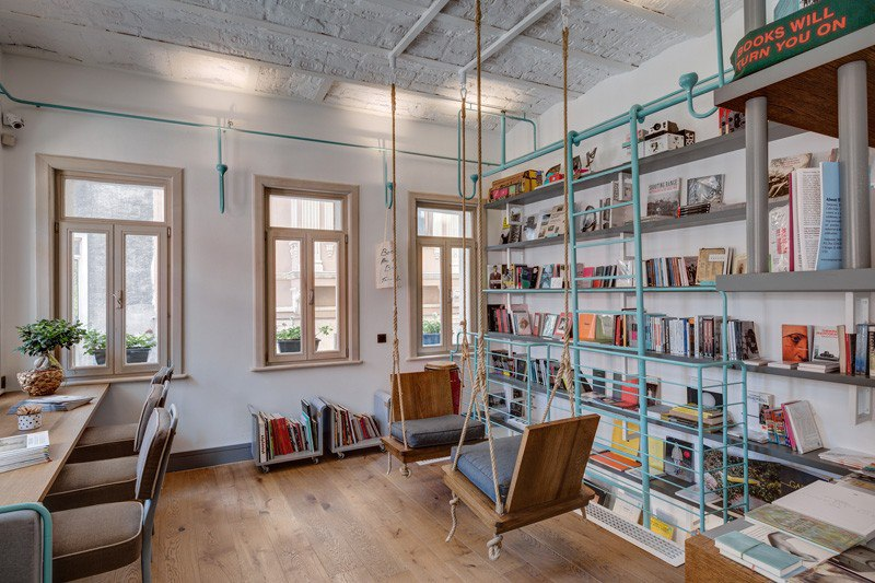 Istanbul Bookstore's Pipe Dream Becomes Playful Reality