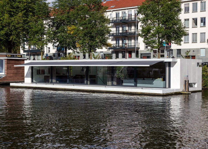 Floating home by  31 Architects is moored on an Amsterdam river (Part 2)