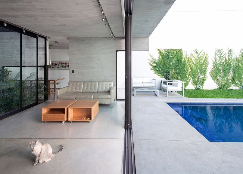 Luciano Kruk and María Victoria Besonías squeeze two concrete homes onto a narrow city plot (Part 2)