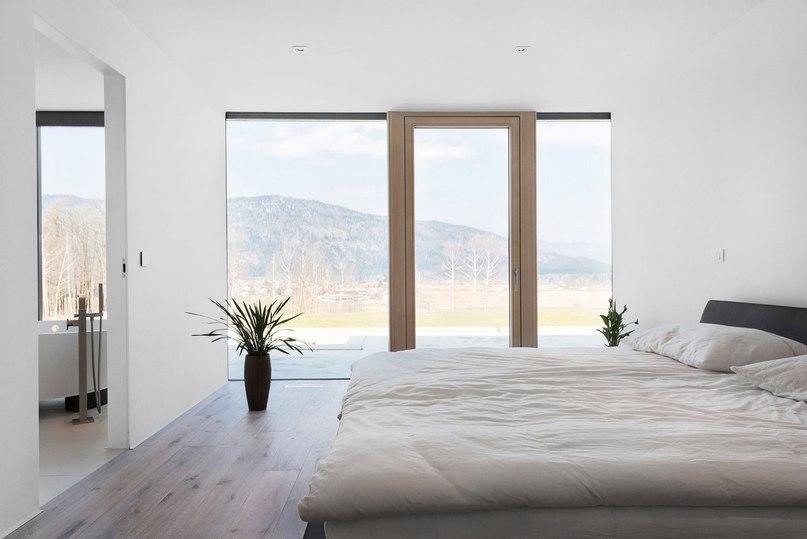 Неподалеку от города Любляна, Словения, располагается частный дом Hisa M от компании SoNo Arhitekti, представленный ими в 2015 году.