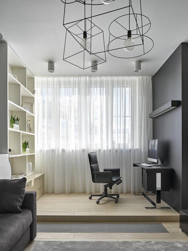 Резиденция изначально имела два балкона, которые были присоединены к комнатам, благодаря чему площадь квартиры увеличилась почти на 15 метров.