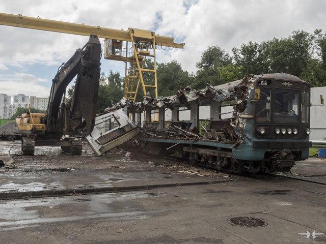 Где умирают вагоны московского метро