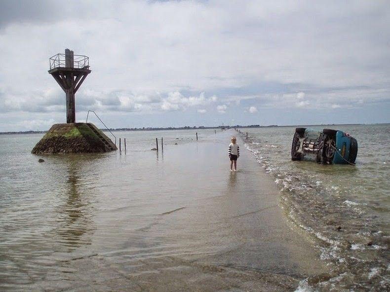 FSDMySHuhJ0 - Passage du Gois - самая длинная подводная автомобильная дорога