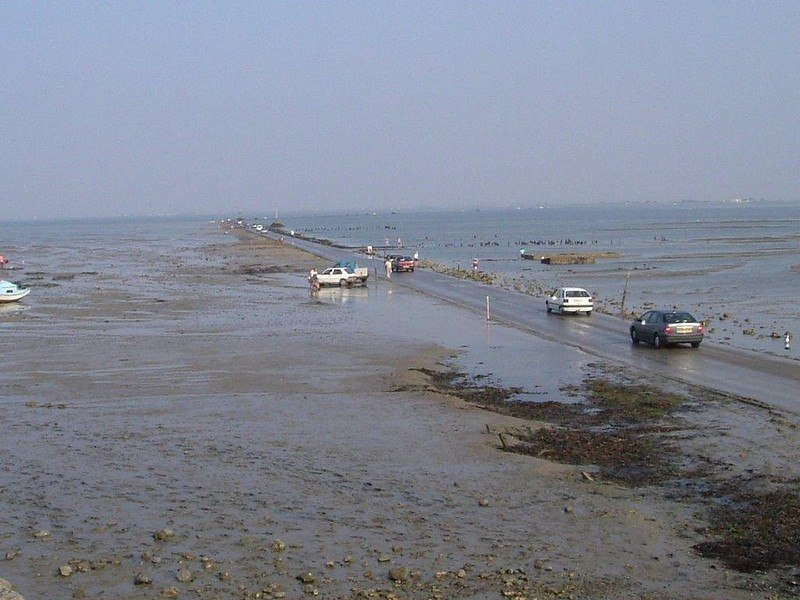 LGmcRCifnU4 - Passage du Gois - самая длинная подводная автомобильная дорога