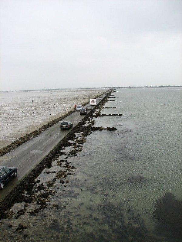 zfv8zytkj4U - Passage du Gois - самая длинная подводная автомобильная дорога