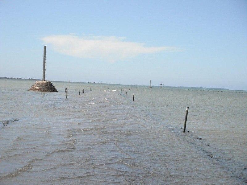 3KOg8ArwmQ - Passage du Gois - самая длинная подводная автомобильная дорога