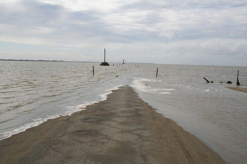 2gaITYsj410 - Passage du Gois - самая длинная подводная автомобильная дорога