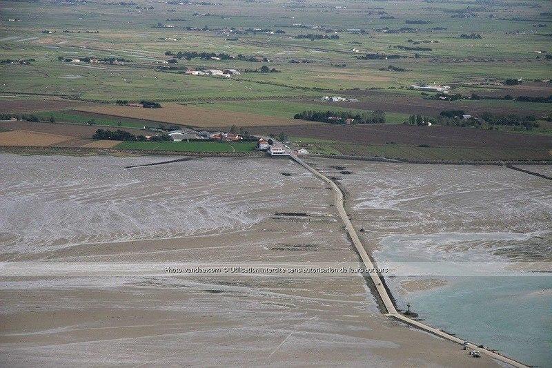 sFdpRHhQoV0 - Passage du Gois - самая длинная подводная автомобильная дорога