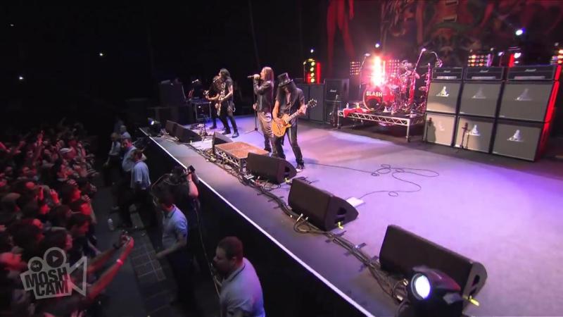 Slash ft.Myles Kennedy The Conspirators - Anastasia - Live in Sydney.mp4