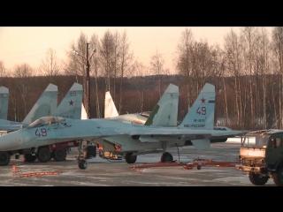 В Карелию прибыло звено новейших истребителей Су-35
