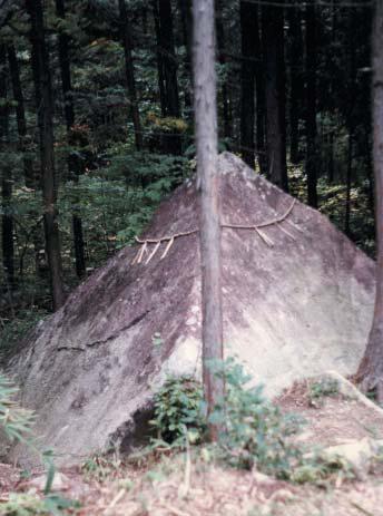 Пирамиды на горе Касаги в Японии