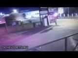 Южная Африка. 20 летняя девушка въехала в автоцентр Land Rover на Audi TT. Не только осталась жива, но и сама вызвала полицию.