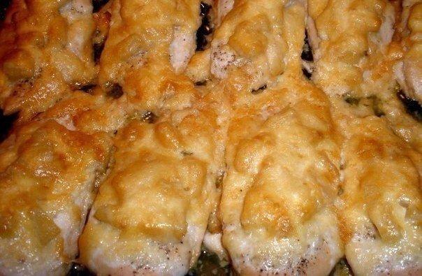Куриные грудки с ананасом Вам понадобится: куриные грудки консервированные ананасы