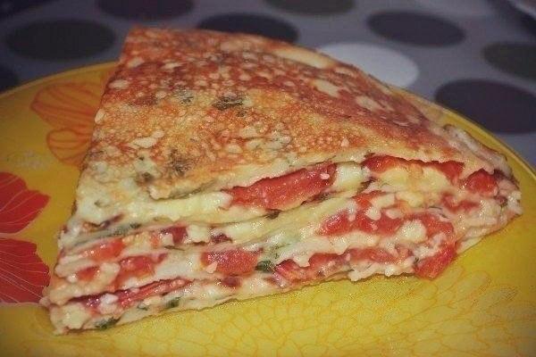 Блинный торт с помидорами Ингредиенты: яйцо — 3 шт. помидор