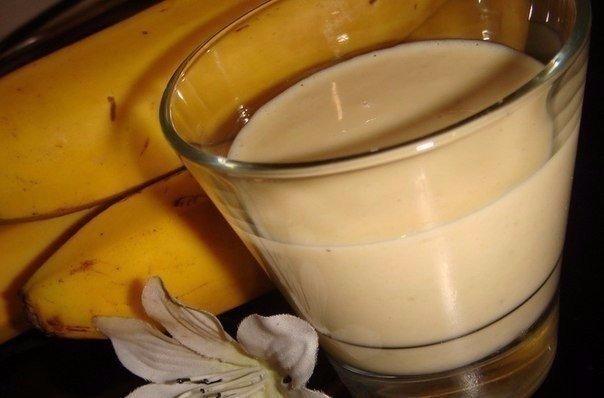 БАНАНОВЫЙ ЛИКЁР ИНГРЕДИЕНТЫ: ● Бананы (спелые, крупные) –