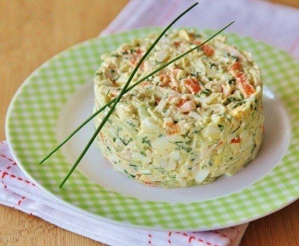 """Салат из крабовых палочек с огурцом """"Море"""